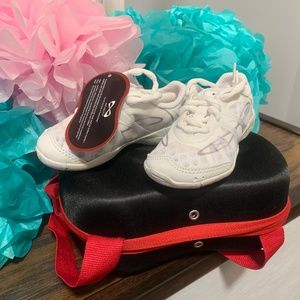 Nfinity, Vengence Cheer Shoes